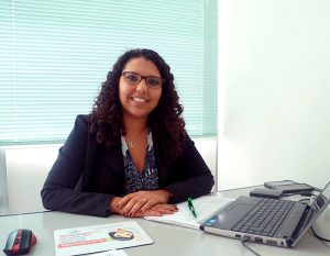 Foto de Viviane Paixão, nutricionista do SINJUS-MG e também presidente do Conselho Regional de Nutricionistas da 9ª Região - Minas Gerais.